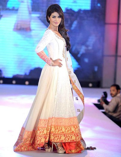 Priyanka Chopra walks for Manish Malhotra & Shaina NC's show for CPAA. This image is taken from BollywoodHungama.com