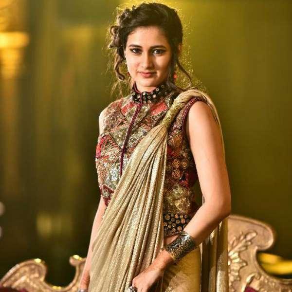 Richa Mehta as Vrishali in Suryaputra Karn