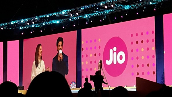reliance-jio-4g-services-employees