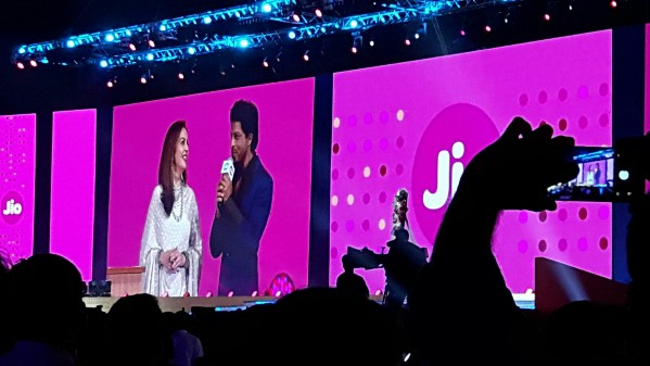 reliance-jio-launch-shah-rukh-khan