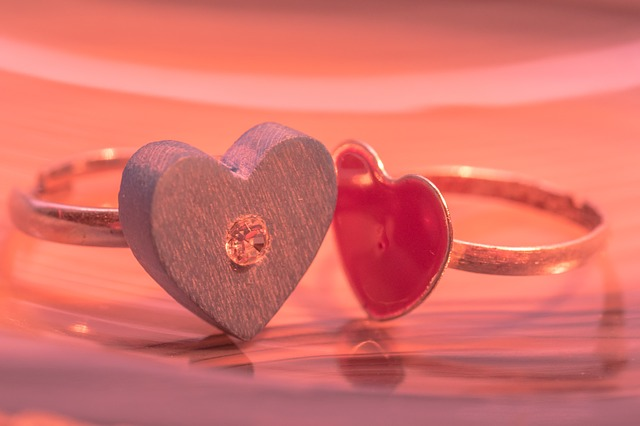 Valentine-Day-Gifts-For-Her-Heart-Shaped-Rings