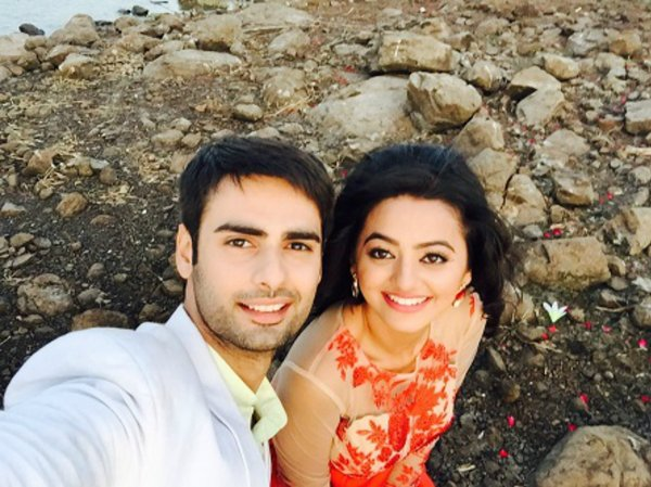 swara-and-sanskar-romantic-scene-swaragini