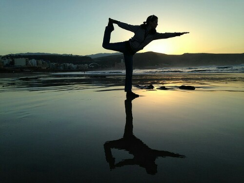 yoga-pose-photos-beach-yoga