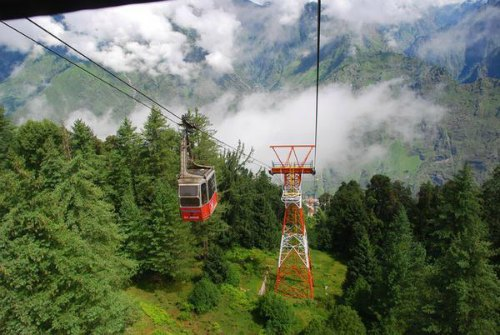 Auli-Uttarakhand-offbeat-travel-destination