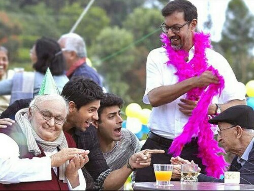 kapoor-and-sons-family-photo