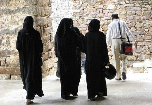 Burqa-clad-women