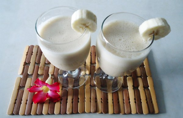 banana-smoothie-easy-recipes