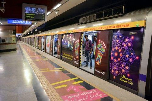happy-diwali-delhi-metro