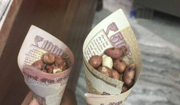 black-money-india-against-corruption-500-1000-currency-notes