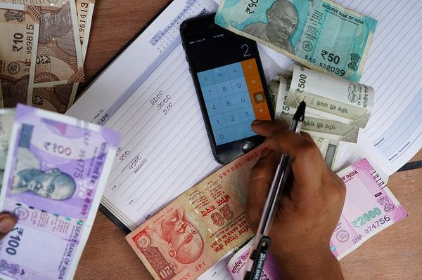 Falling Indian Rupee against US Dollar