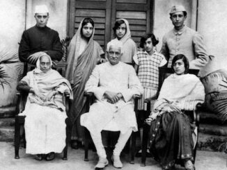 moti-lal-nehru-family-photo