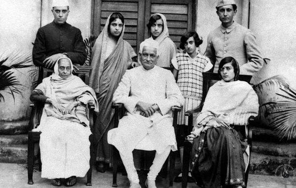 moti-lal-nehru-family-photo