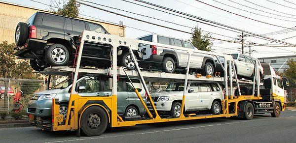 auto-transport-service-Car-transporter